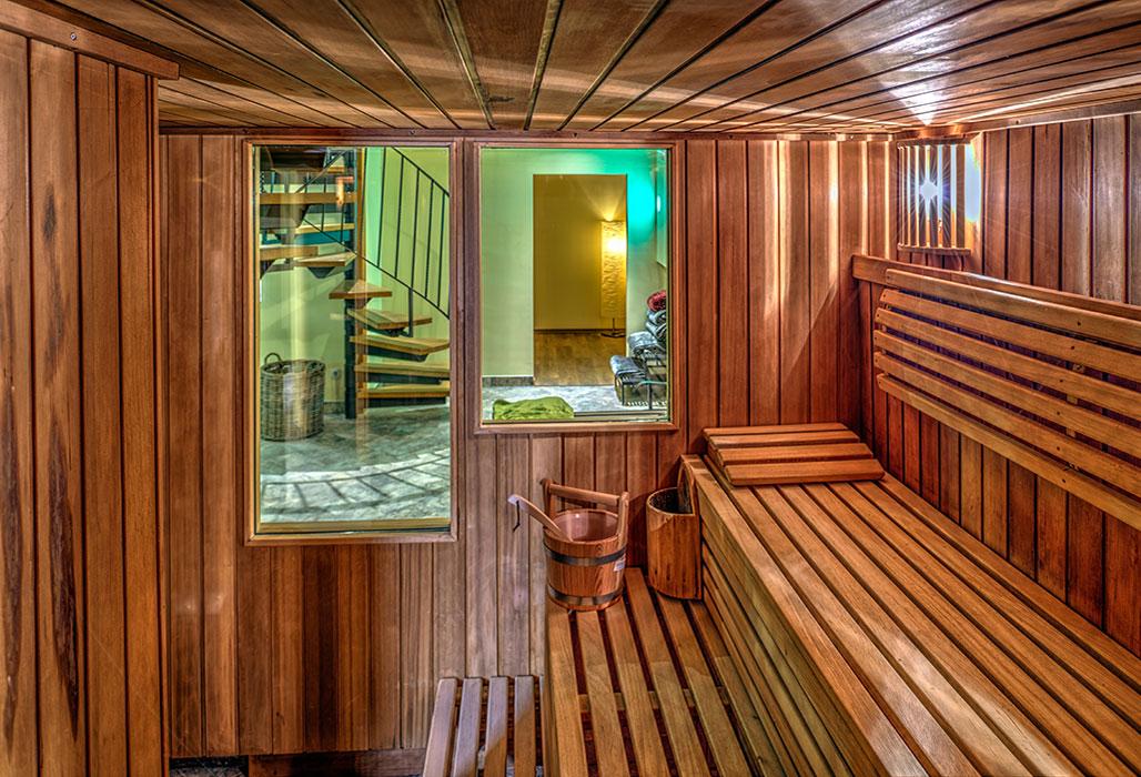 sauna pool landhotel schwarzer adler. Black Bedroom Furniture Sets. Home Design Ideas