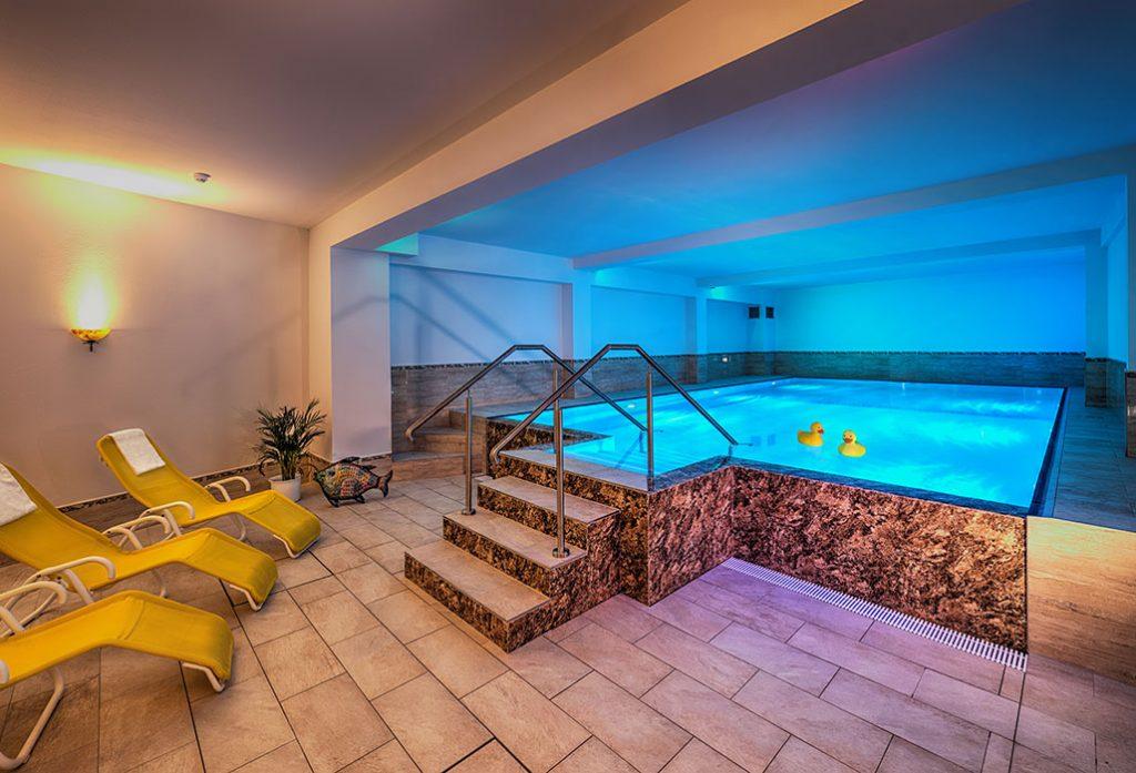 pool-und-sauna-1